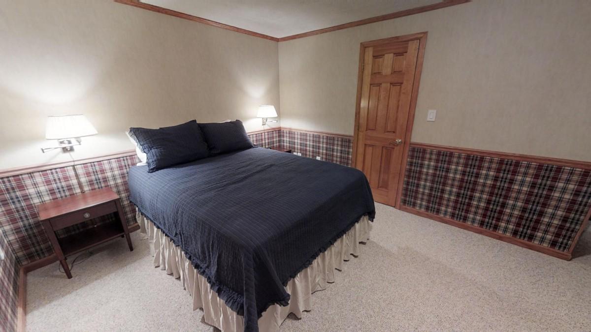 LL Bedroom 5 Queen