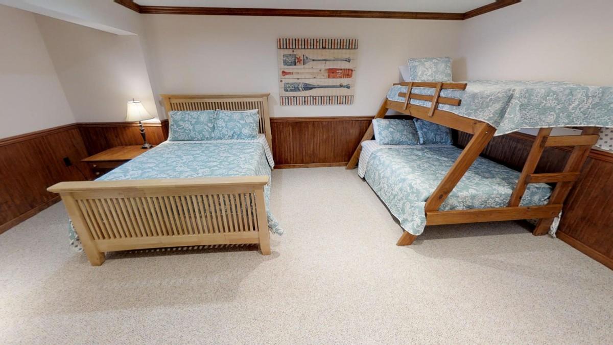 Bedroom # 4 Queen  twin - full